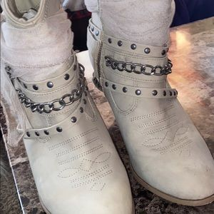 Buckle cowgirl boots